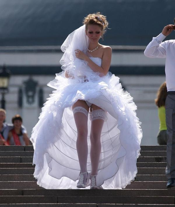 ウエディングドレスのパンチラ画像-32