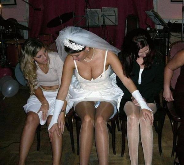 ウエディングドレスのパンチラ画像-33