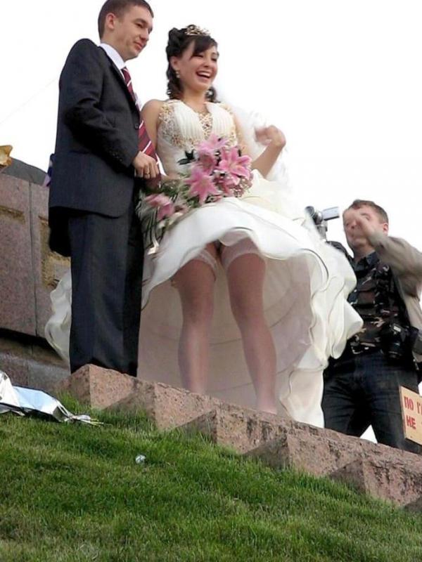 ウエディングドレスのパンチラ画像-34