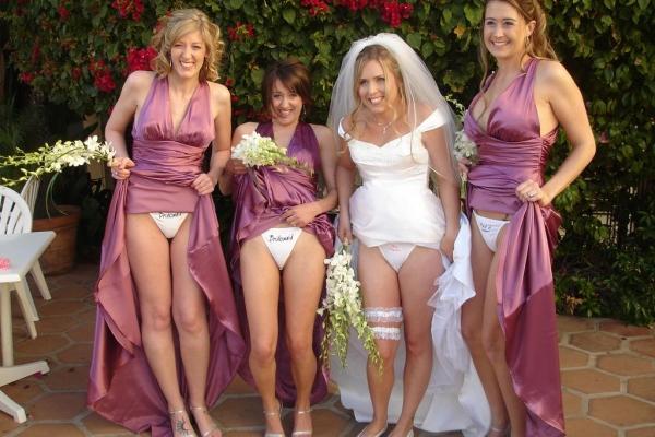 ウエディングドレスのパンチラ画像-36