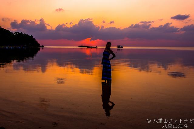 石垣島 底地ビーチで夕日ジルエット撮影