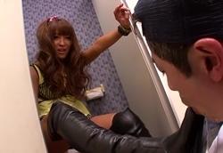 トイレで痴女ギャルに襲われブーツでチンポを踏みつけられ足コキされる!2