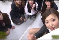 CFNM ドM男痴女動画 JKたちに見られながらドS女教師の性的虐待!水野朝陽