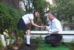 【拘束フェラ】ペットの代わりにオジサンを飼うロリ痴女!つぼみ1