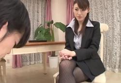 黒パンスト痴女お姉さんの淫語責めチ○ポ弄り!飯岡かなこ1