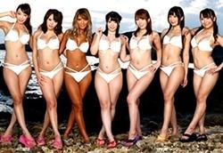 ギャル系~巨乳系まで、好みの女の子に無限中出しOKな海の家!2
