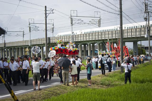 2015年の愛知県岡崎市の御田扇祭行列の様子