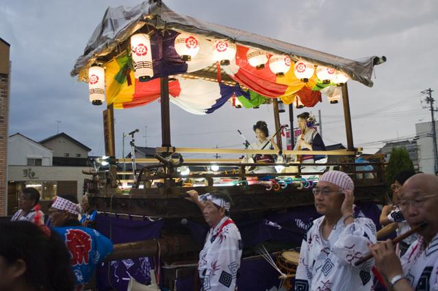 愛知県西尾市の西尾祇園祭夜の山車