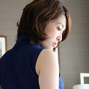 ご主人とのワンパターンのセックスに興奮できず他人棒で女の悦びを満たす三十路妻 及川朋子さん