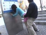 今では考えられない昔の過激AV!白昼の駅前広場で大胆セックス