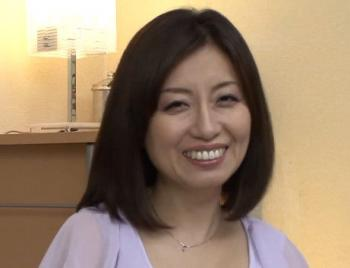 46歳どすけべ素人妻が顔面騎乗位クンニで痙攣アクメ