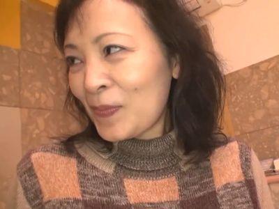【熟女ナンパ】『こんなおばちゃんで大丈夫…?』50代後半でも衰えない性欲で年下チンポを貪りガンガン腰を振る膣内射精SEX