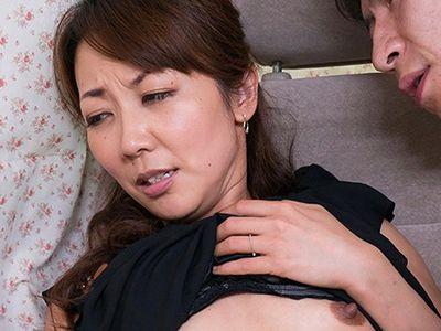 【人妻ナンパ】『あの…ホント困ります…あんっ』母乳も潮も出る敏感ボディな美魔女奥様を車内でハメ撮り不倫膣内射精セックス