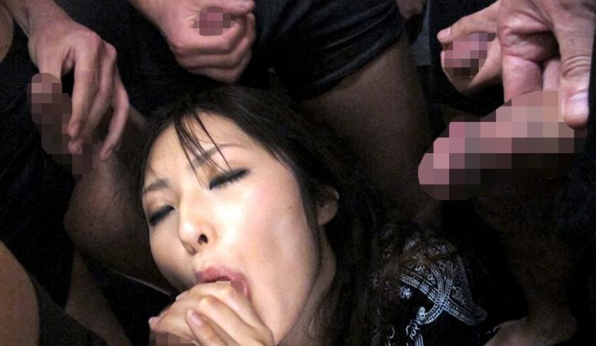 ザーメン依存症-大量ぶっかけ欲しがり痴女- 小谷理紗の脚フェチDVD画像1