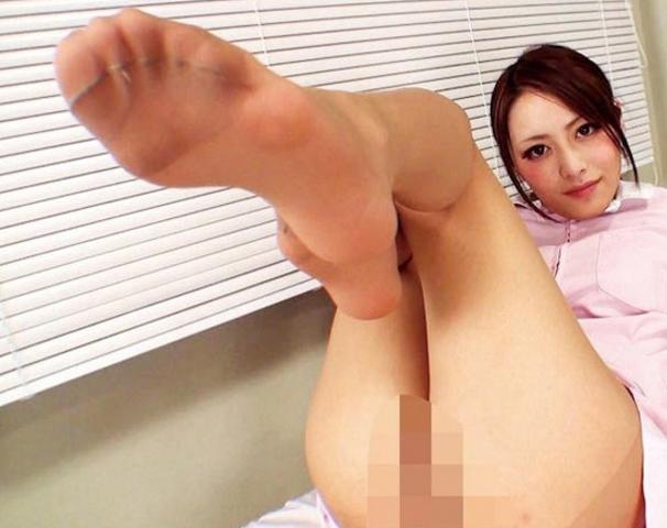 パンストお姉さんの足裏や爪先を堪能し足コキでイクの脚フェチDVD画像6