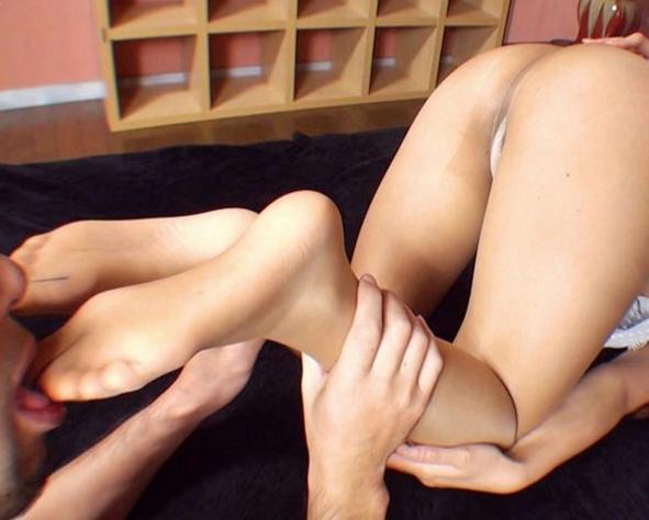 パンストお姉さんの足コキ責めやパンスト足裏や爪先の動画の脚フェチDVD画像5