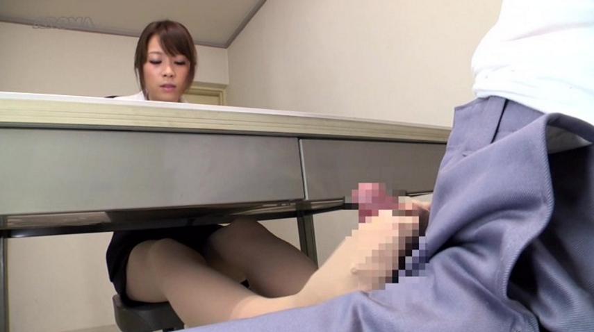 留置場で性欲を処理する7つの方法の脚フェチDVD画像2
