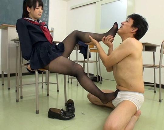 ドエスなJK生徒会長がハイソックスの足コキで強制足射させるの脚フェチDVD画像5