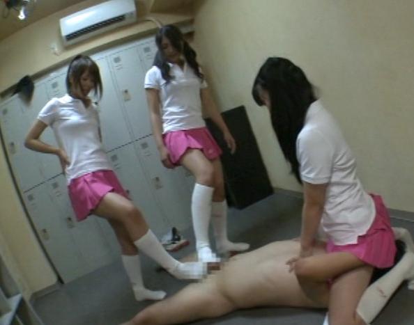 陰湿なドエス女子校生の臭いハイソックの匂い責めと足コキの脚フェチDVD画像4