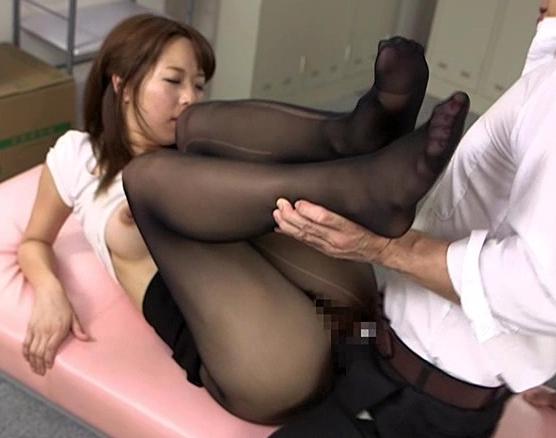 OLの黒パンストに興奮する脚フェチに必見の足コキと着衣SEXの脚フェチDVD画像6