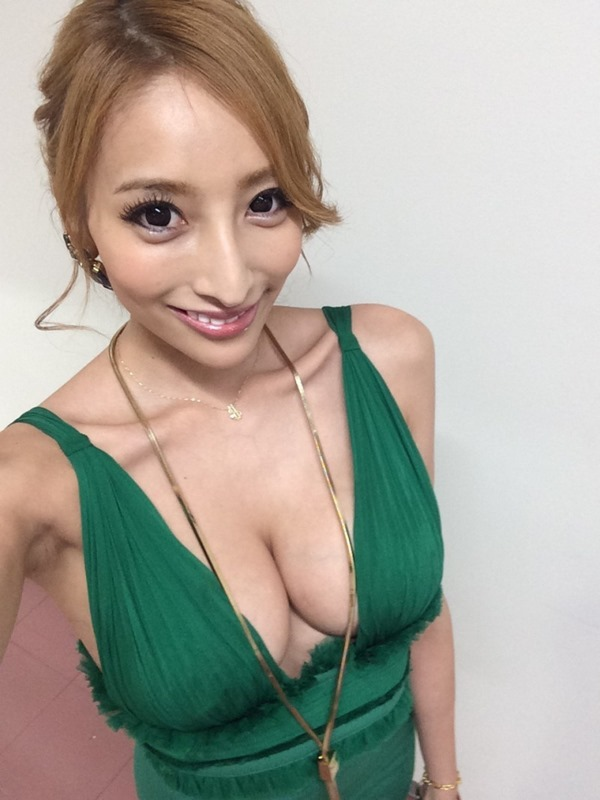 加藤紗里 巨乳12