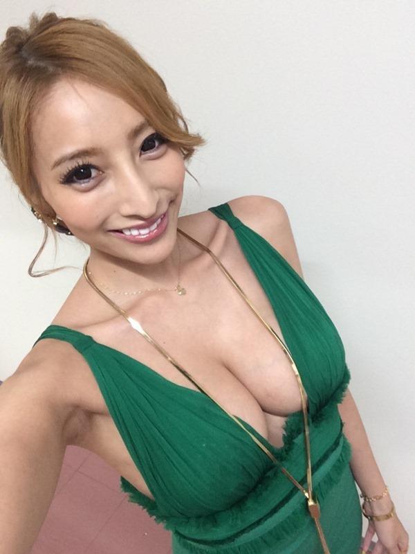 加藤紗里 巨乳18