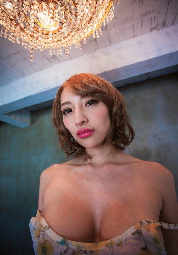 加藤紗里 巨乳20