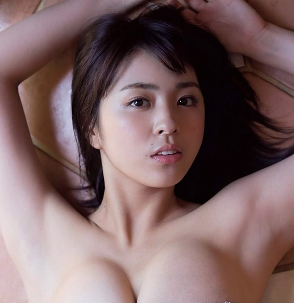 柳ゆり菜 巨乳21