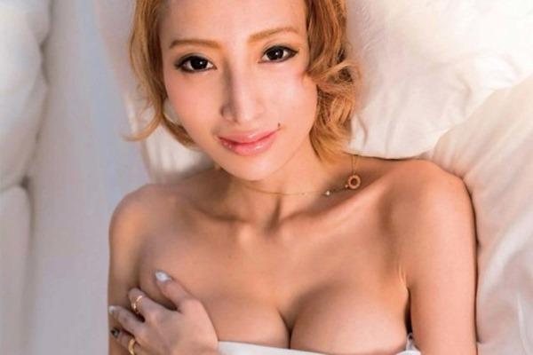 加藤紗里 巨乳24