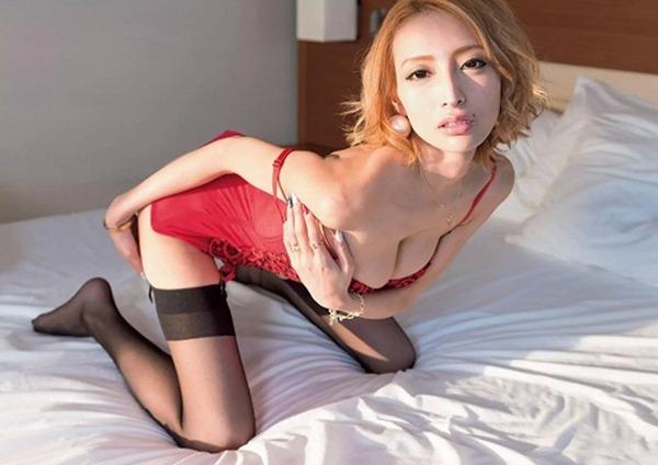 加藤紗里 巨乳3