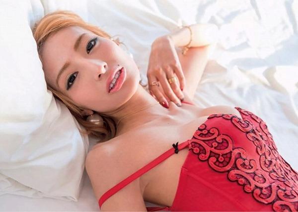 加藤紗里 巨乳9