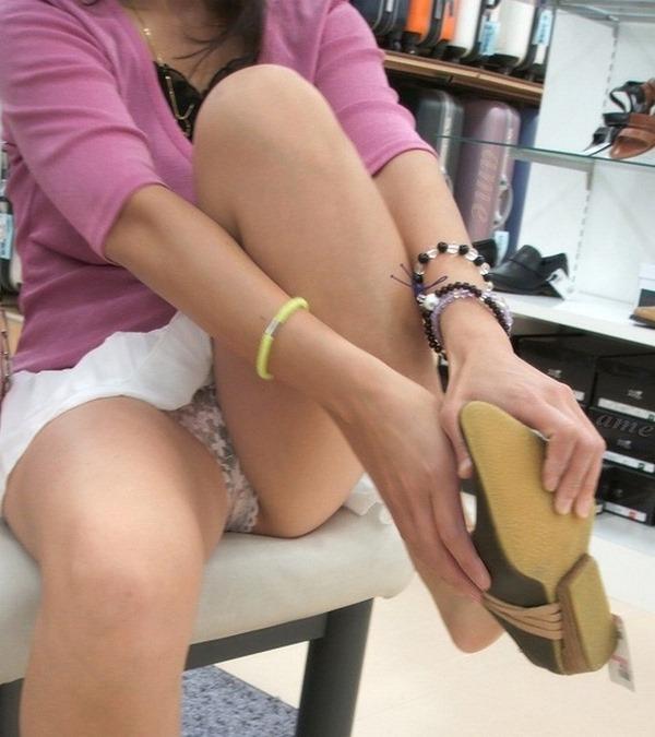 靴屋パンチラ1