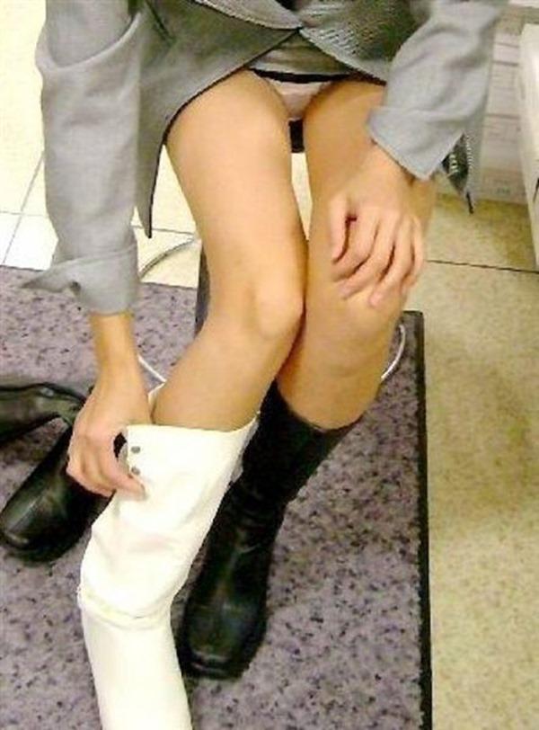 靴屋パンチラ21