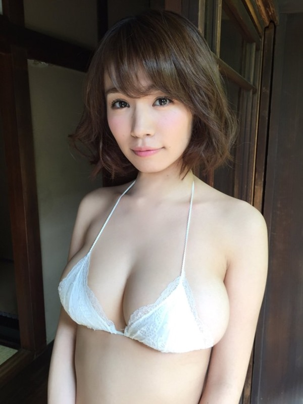 菜乃花(27)の尻が食い込ん12