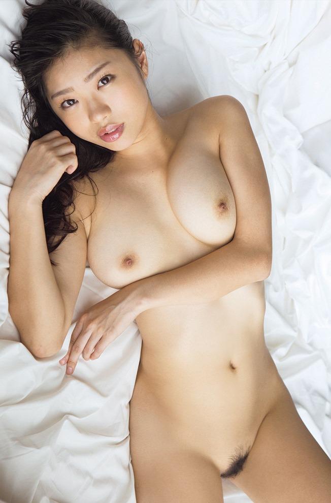 (桐谷まつりの胸が神乳)(美巨乳・お乳・ぬーど)えろ写真40枚☆