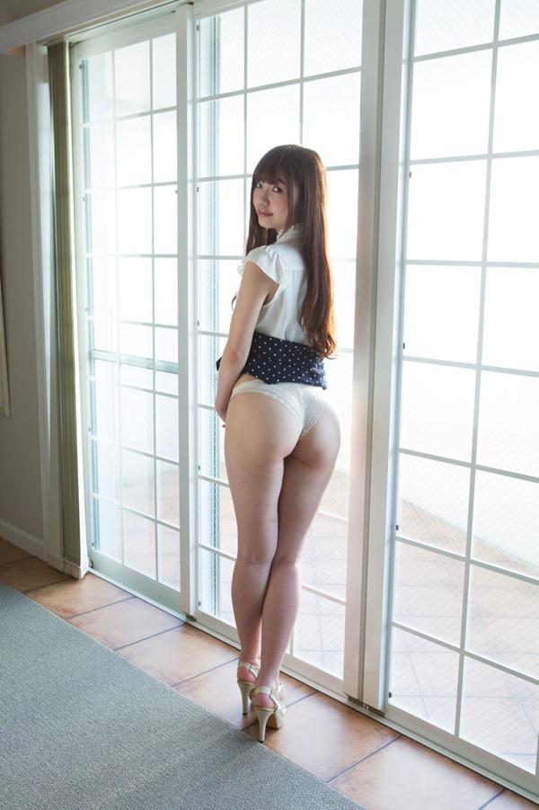 松岡里英プリケツ神尻4