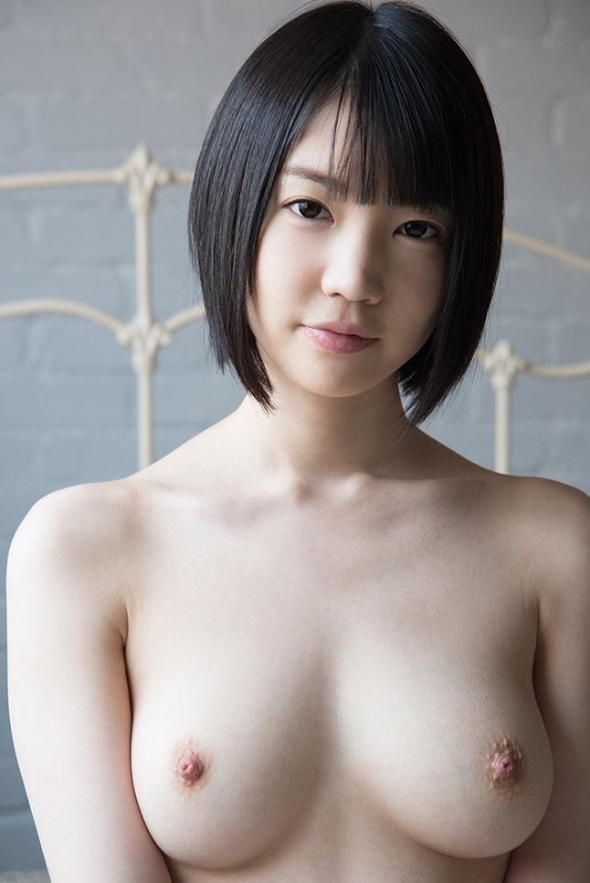 (姫・鈴木心春の胸が美巨乳)(美しい乳輪・ぬーど・チクビ)えろ写真40枚☆
