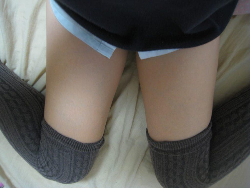 (女子大学生のガチな生足や太ももに胸キュン)太腿えろ写真50枚☆