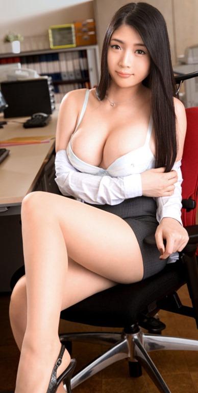 【巨乳おっぱいはOL枕営業という性的関係に役立つ】画像32枚