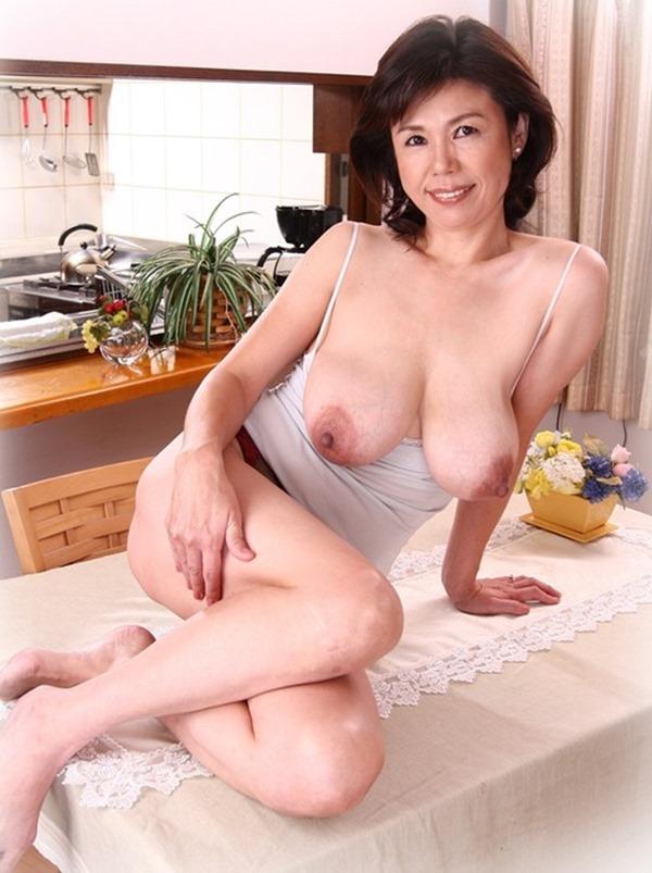 垂れ乳BBA21