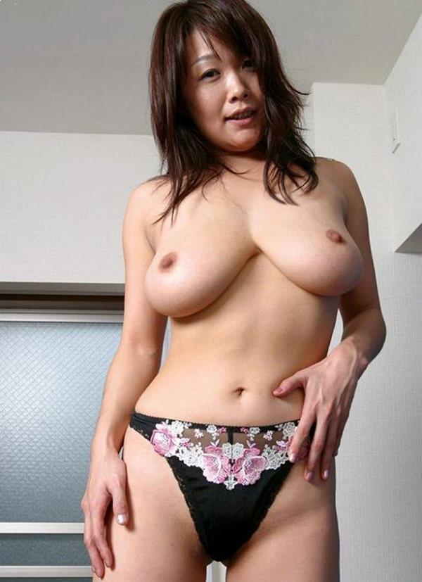 垂れ乳BBA23