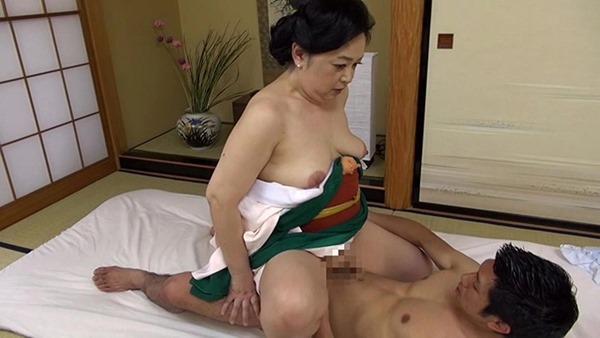 垂れ乳BBA24