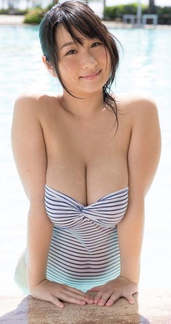(桐山瑠衣(26)の新作DVDから色っぽい乳房)Jカップミズ着えろ写真60枚☆