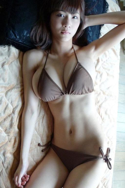 【クビレ100%神乳娘の巨乳おっぱいは最強】エロ画像20枚