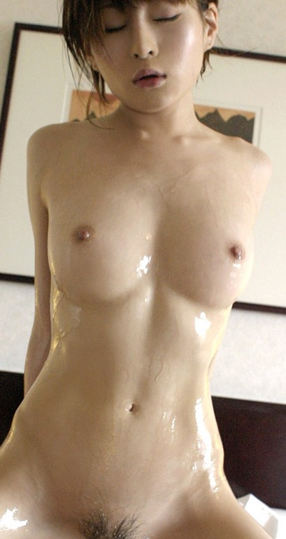 【裸体ヌードでローションまみれな痴女って超・卑猥】エロ画像27枚