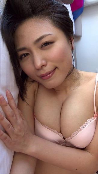 (川村ゆきえ(31)のお尻の割れ目やお乳に大ムラムラ)ミズ着えろ写真60枚☆