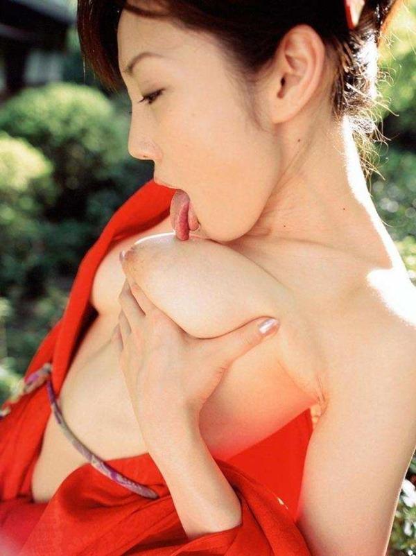 セルフ乳舐め17