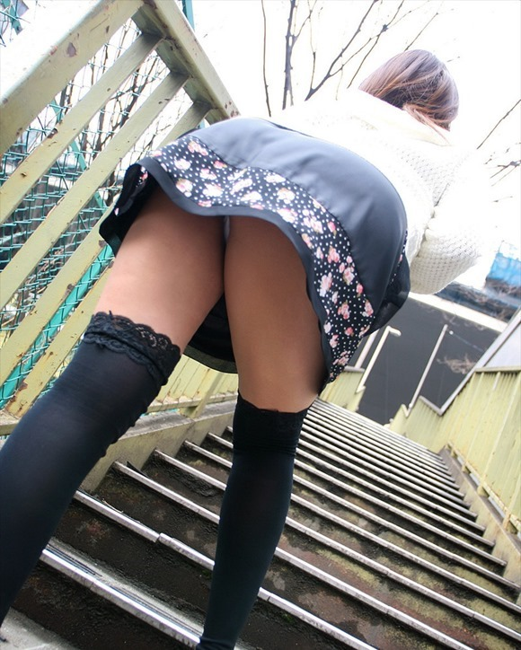 階段パンチラ19