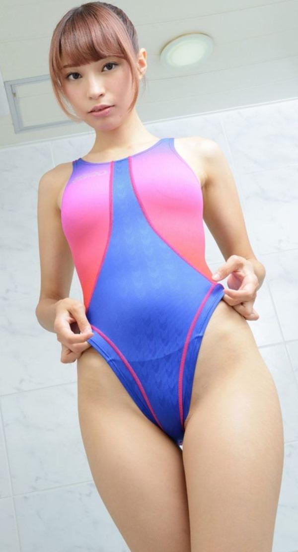 競泳水着女子30