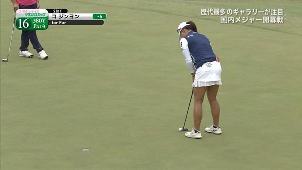 ゴルフ中継パンチラ14